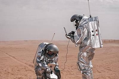 """""""Астронавти-заместители"""" провеждат експеримент за италианската космическа агенция, за да проверят как една подобна на Марс среда о..."""