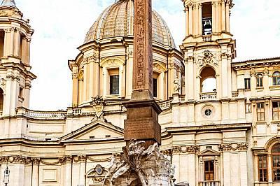 Един от обелиските в Рим