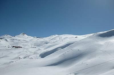 Ден 2 – Дизин и страхотният терен за ски и сноуборд.