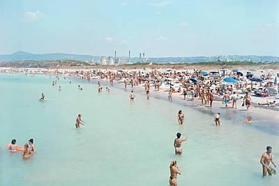 """Промени в моретатаРозиняно Солвей, Италия Тоскански плаж отразява драматичната връзка на хората с морето. """"Тропическите пясъци"""" не..."""