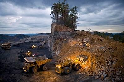 Изчезналите планини Планината Кейфорд, Западна Вирджиния, САЩДокато петролните компании сондират все по-дълбоко в крайбрежните води, минните компании...
