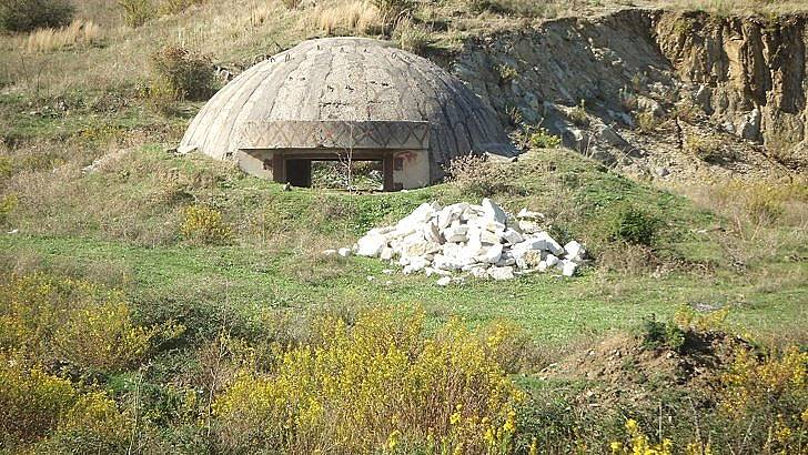 Бившият противоядрен бункер на албанския комунистически диктатор Енвер Ходжа се превърна в музей. / БГНЕС