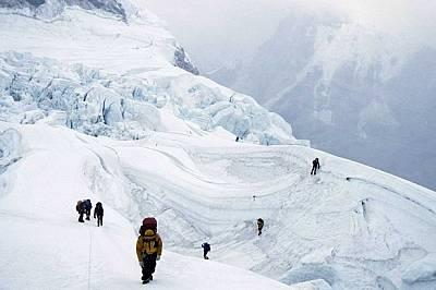 Китай ще строи туристически комплекс на Еверест