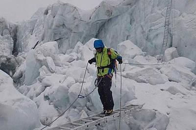 Само 6 дни след връх Лхотце, Атанас Скатов се завърна на Еверест