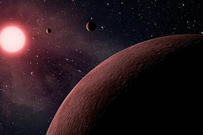 Стивън Хокинг: Спасението ни е да се преселим на други планети
