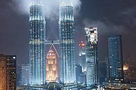 Символ на успехаКуала Лумпур, МалайзияНебостъргачите са въплъщение на градското новаторство, а малко от тях са по-дръзки от кулите &bdqu...