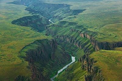 Река ОуайхиРека Оуайхи пресича необятната шир на Айдахо.