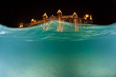 Огромен курортен аквакомплекс се издига на дубайското крайбрежие.http://www.thomaspeschak.com/