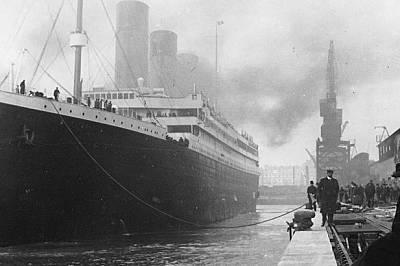 """""""Титаник I"""" потегля на злокобното си пътуване на 10 април 1912 г."""