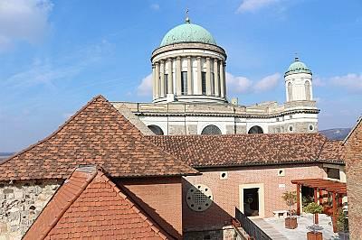 Духовното средище на Унгария и Св. Иван Рилски