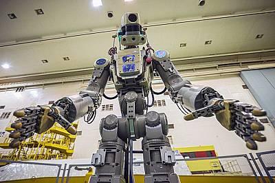 Руски бази на Луната ще защитават с роботи Земята от астероиди