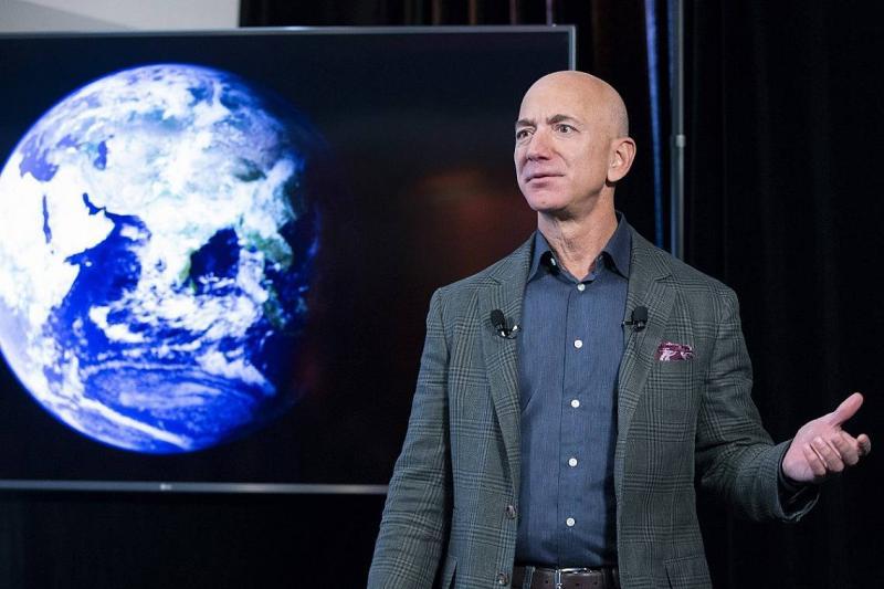 Безос: Космическият туризъм стартира на 20 юли