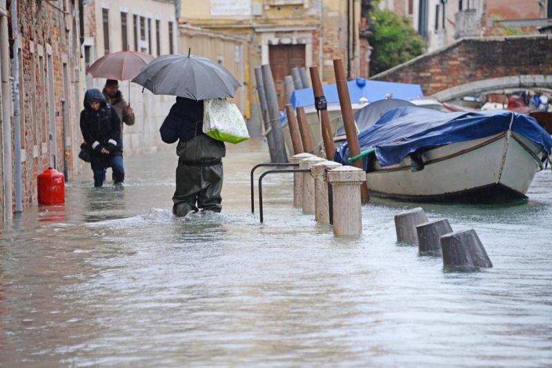 Опустошена Венеция чака ново наводнение