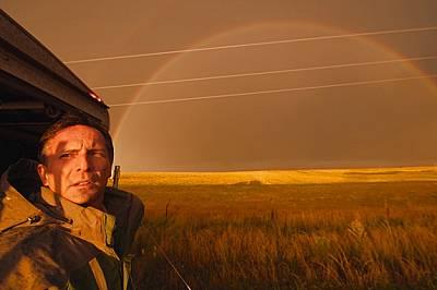 Известният ловец на бури и учен Тим Самарас преследваше торнада с целеустремена страст. Мисията му да разбере какво се случва вътре в тях и на земята...