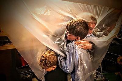 """""""Прегръдката"""" - Гран При; категория """"Hello,Life!""""Датският носител на Гран При - Суне Педерсен е уловил топлината, излъчвана от прегръдката на дядо на..."""