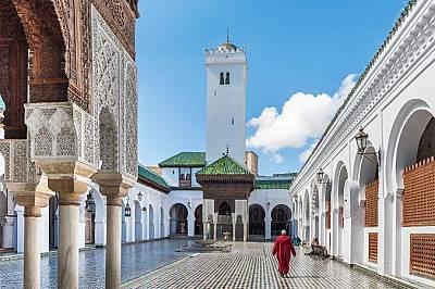 """Библиотеката към университета """"Карауин"""" във Фес, МарокоБиблиотеката към университета """"Карауин"""" във Фес (една от най-старите действ..."""