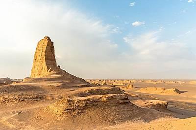 Пустинята Дащ е Лут, ИранВ югоизточната част на Иран подвижните пясъци на пустинята Лут създават уникални произведения на изкуството. Между юни и окто...