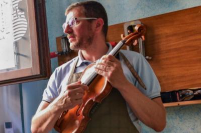 Италианската столица на цигулката Кремона преодолява Covid с музика