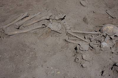 Гроб на 7 600 години откриха в Слатина археолози от БАН