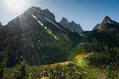 """Пътеката Каскейд Кениън до езеро Солитюд, САЩПо протежение на 25 километровата пътека през националния парк """"Гранд Тейтън"""" &nb..."""