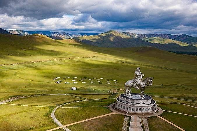 МонголияС изумителните си степи и гостоприемство Монголия е една от дестинациите, които си струва да посетите. Вземете прословутата Транссибирска желе...