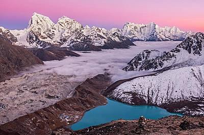 Гокио РиИзкачване до връх Гокио Ри ще ви заведе на около 5000 метра високо в Хималаите. Над езерата и облаците ще получите изцяло нова перспектива за...