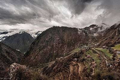 Фермерите преместват полетата с ганджа все по-високо в планината, за да избегнат полицейските проверки.