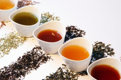Проучване: топлият чай помага за отслабване