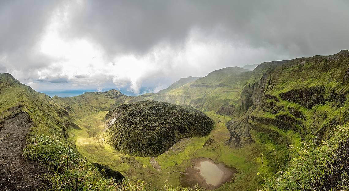Вулканът Суфриер преди да изригне