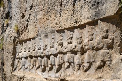 """Изумителна археологическа находка: има ли """"подземен свят"""" под земята?"""