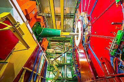 Учените от ЦЕРН с крачка по-близо до разгадаване на антиматерията