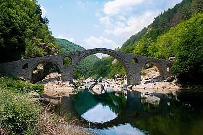 Дяволският мост - величественият свод над река Арда