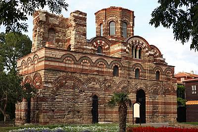 Старият град в НесебърВ старата част на града е имало вероятно 42 църкви, от които по-малко от половината са открити от археолозите и консервирани, а...