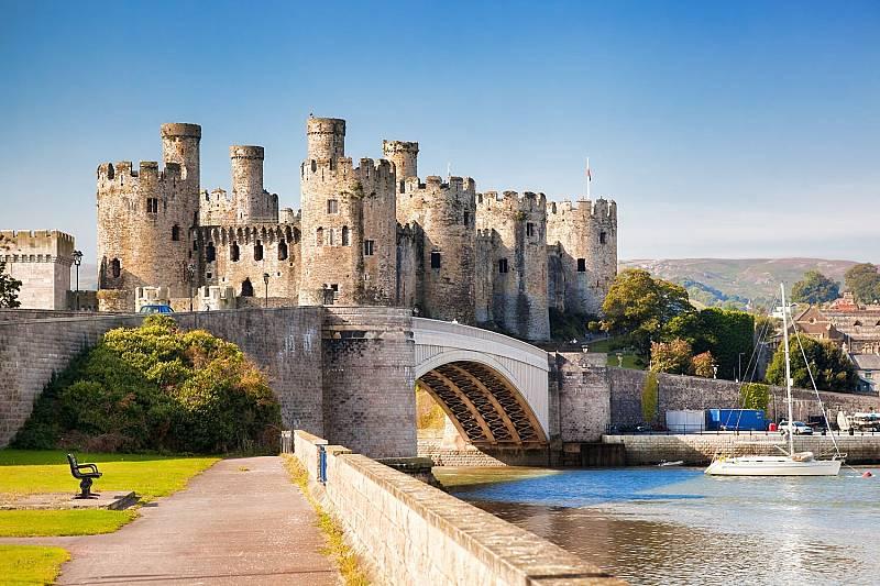 Замъците на Уелс