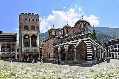 Рилският манастирОснована през Х век от св. Иван Рилски, чието име носи, обителта е един от най-значимите културни паметници у нас и истински символ н...