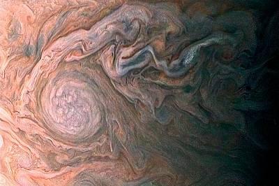 """Юпитер от 14500 киломтераСондата """"Джуно"""" е била на около 14500 километра над Юпитер, когато прави тази снимка."""