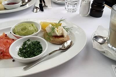 Лека питателна закуска в Palmenhaus