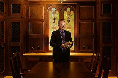 Стив ГрийнКогато библейски артефакти наводнили пазара след глобалната финансова криза през 2008 г., Стив Грийн, основател и председател на Библейския...