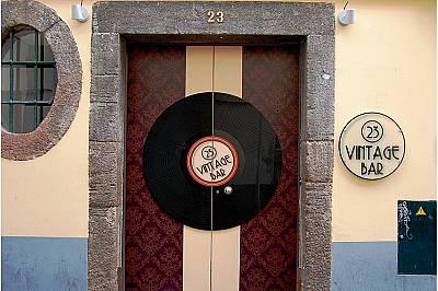 Ексклузивен бар в Стария град