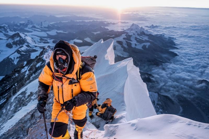 Какво означава избухването  на COVID-19 за живота в базовия лагер на Еверест?