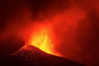 Изригването на вулкана Кумбре Виеха в Ла Палма: Пътят на разрушението