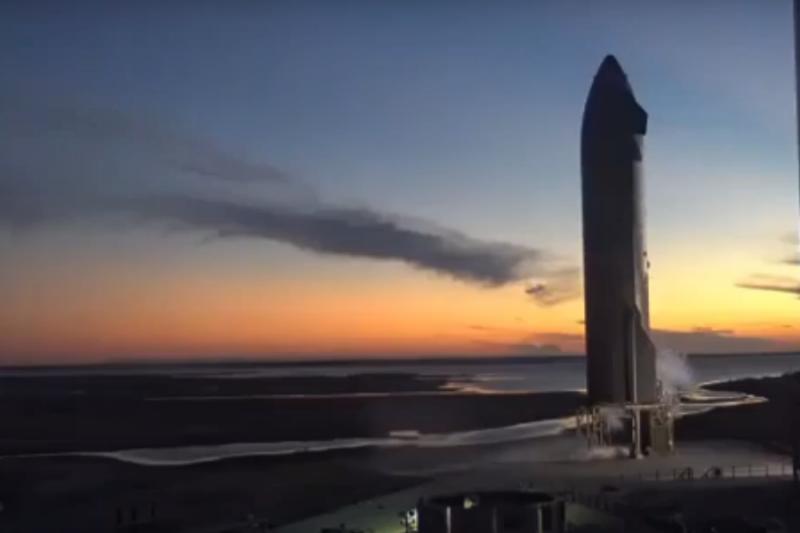 Вакуумният двигател на SpaceX стартира успешно