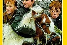 Септември 1994 В броя е представена съвременна Ирландия. На корицата - три червенобузи хлапета от Дъблин