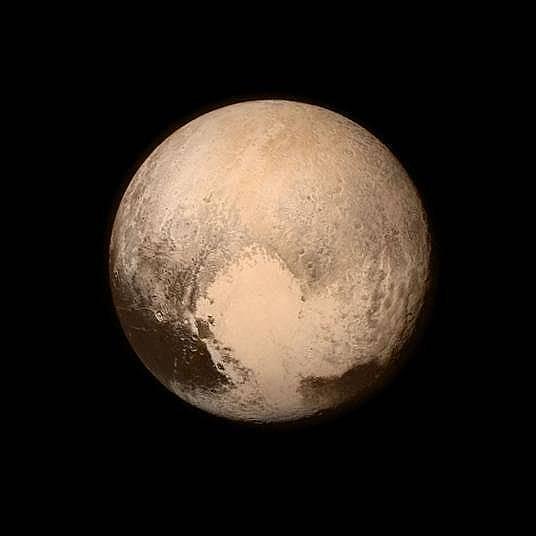 Първата снимка на Плутон  Снимка: NASA/Johns Hopkins University Applied Physics Laboratory/Southwest Research Institute