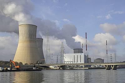 Ядрената енергетиката се опитва да оцелее