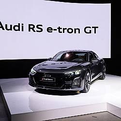 Audi RS e-tron GT – електрическият флагман, който отвори портала на бъдещето