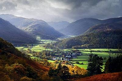 Английският Езерен районТези живописни пейзажи са част от северозападна Англия. Били са образувани по време на Ледената епоха, а по-късно дооформени о...