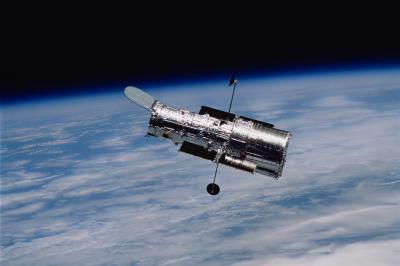"""Легендарният стар телескоп """"Хъбъл"""" отслабва"""