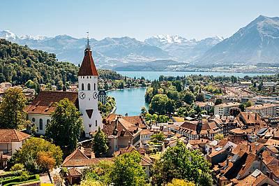2. ШВЕЙЦАРИЯ Швейцария се гордее с благосъстоянието си, доброто физическо състояние и превъзходното здравеопазване – любовта към шоколада оч...