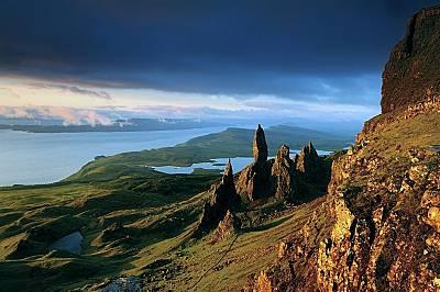 Остров Скай, ШотландияСтор е част от геологическата формация Тротерниш в североизточния край на остров Скай, Шотландия. Най-големият монолит се нарича...
